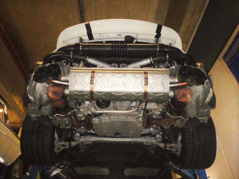 Porsche 911 Turbo S KS WEB 2